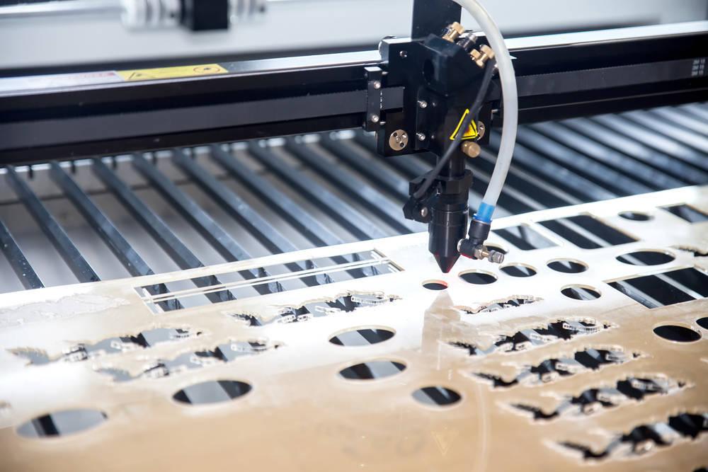¿Cómo funciona una máquina de corte por láser?